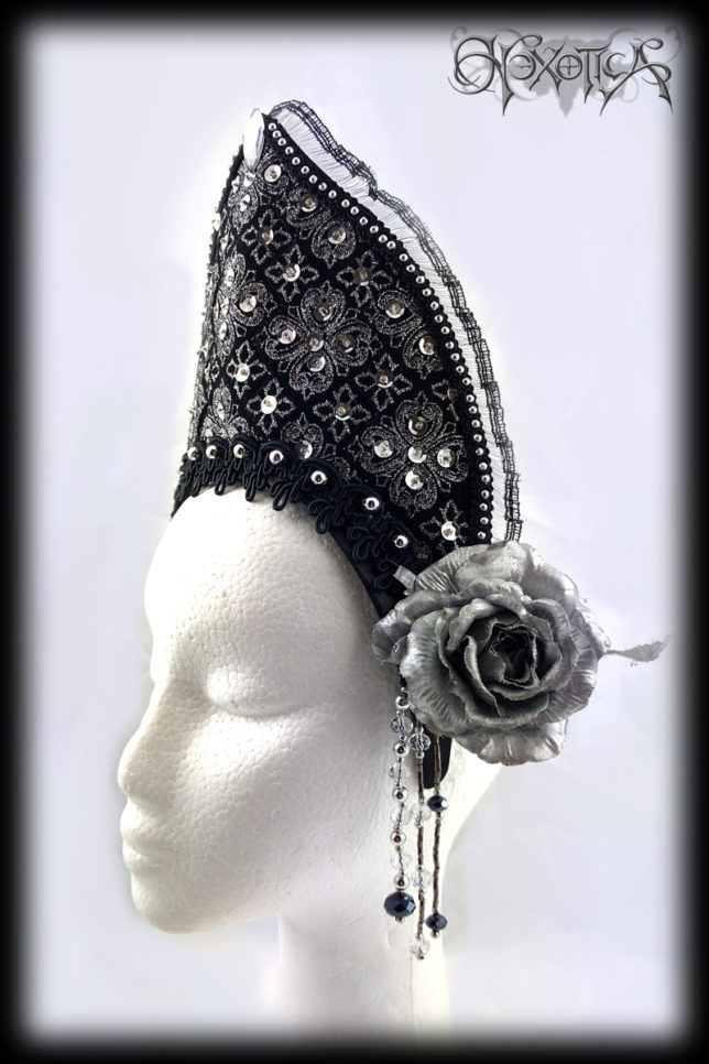 Silver_Sequin_Headdress